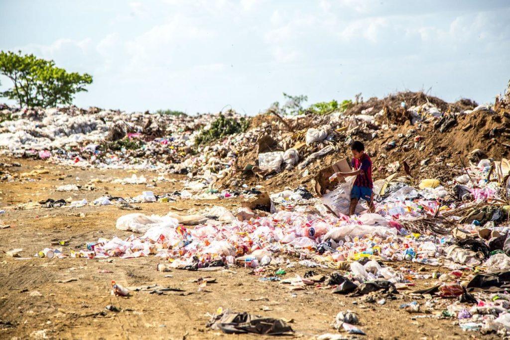Solo contaminado por lixo